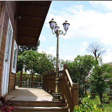 Đèn trụ sân vườn họa tiết hoa ROL436