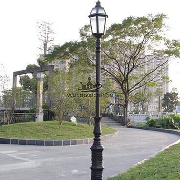 Đèn trụ sân vườn thiết kế độc đáo ROL442