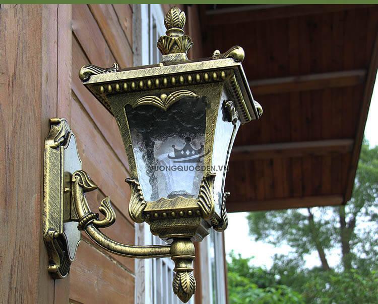 Những mẫu đèn tường trang trí ngoài trời hợp với không gian quán cà phê