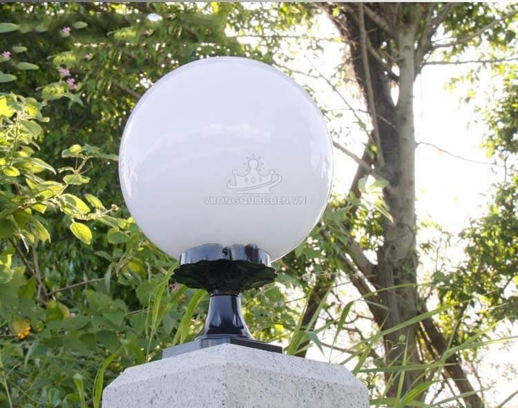 Điểm danh những mẫu đèn trụ đẹp mắt được sử dụng cho tường rào