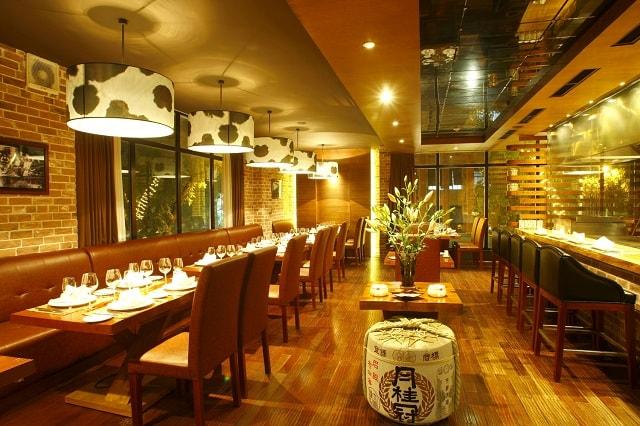 Chọn đèn trang trí theo phong cách thiết kế nhà hàng