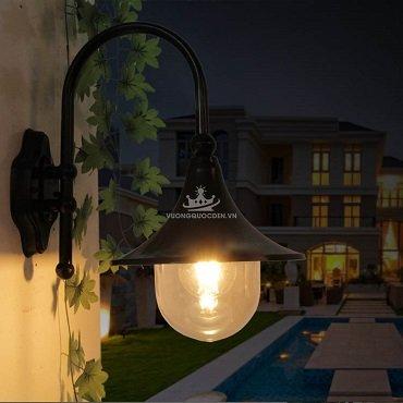 Đèn tường sân vườn hình dáng kèn đồng ROL497