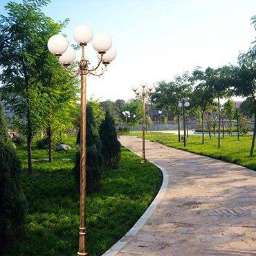 Đèn trụ sân vườn trắng tinh tế ROL456