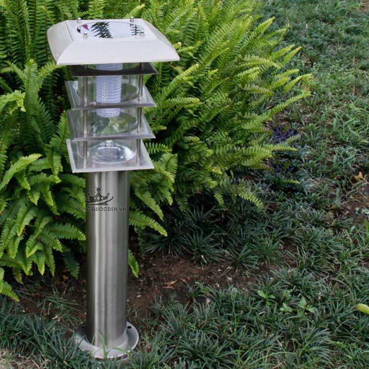 Tô điểm sân vườn hiện đại với đèn trụ năng lượng mặt trời được ưa chuộng trong năm 2018
