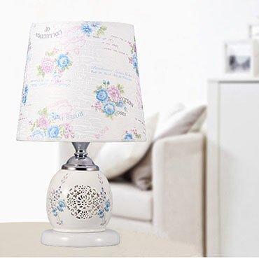 Đèn bàn gốm phòng ngủ đẹp YLM U781