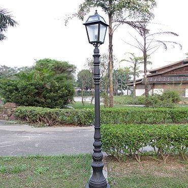 Làm sao để tăng tuổi thọ cho đèn trụ sân vườn inox hiện đại?