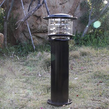 Cấu tạo và cách chọn đèn trụ sân vườn cao cấp phù hợp với không gian sân vườn