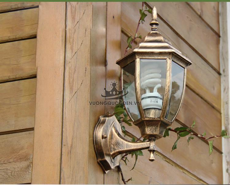 Mua đèn treo tường ngoài trời giá bao nhiêu thì hợp lí?