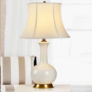 Những mẫu đèn để bàn gốm đang gây sốt trên thị trường nội thất phòng ngủ