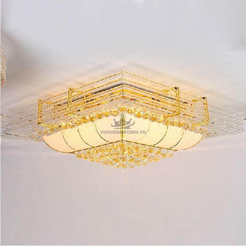 Đèn ốp trần vuông độc đáo cho phòng khách vừa đẹp vừa sang