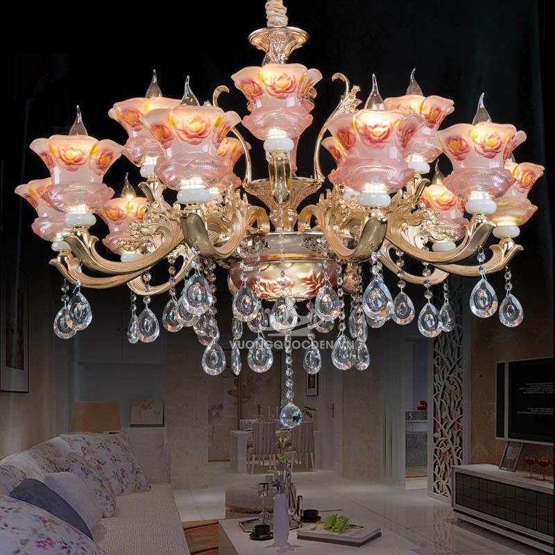 Chiêu độc hô biến không gian thêm rộng với đèn chùm cho trần nhà thấp