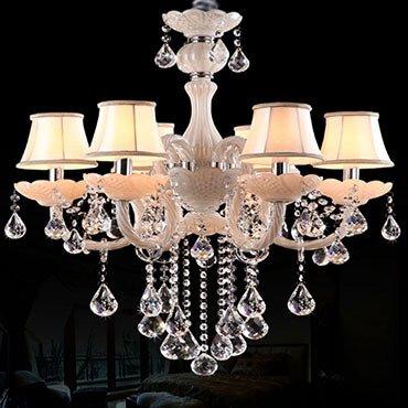 Màn kết hợp tuyệt vời của đèn chùm pha lê hiện đại với các loại đèn khác