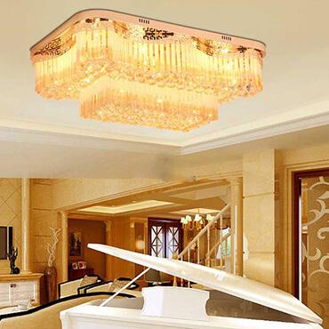 Gọi tên những mẫu đèn áp trần pha lê vuông cho chung cư hiện đại nhất