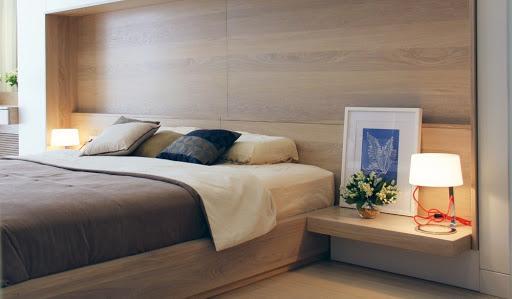 Hỏi đáp: đèn để đầu giường có sao không?