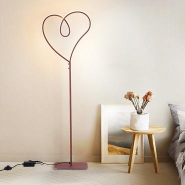 Đèn cây cao cấp hình trái tim PJ913