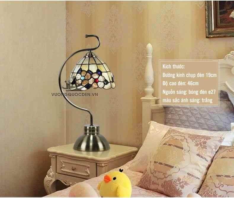5 mẫu đèn ngủ để bàn khách sạn ấn tượng, đẹp mắt