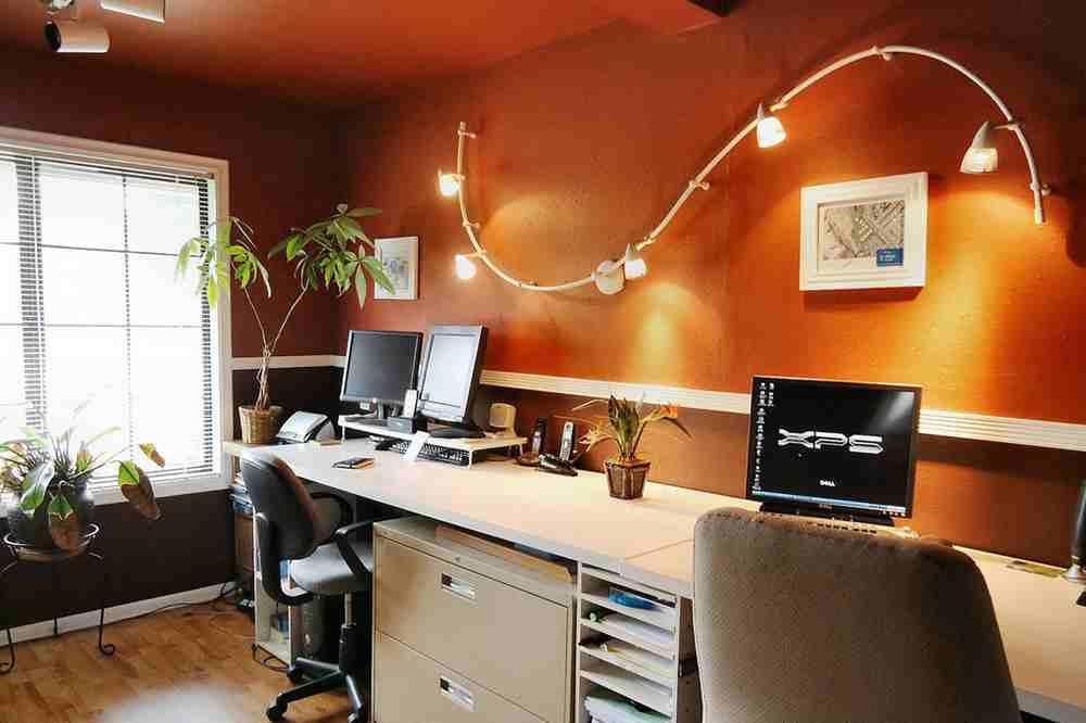 Đèn trang trí phòng làm việc- Công cụ tuyệt vời để đạt deadline nhanh nhất